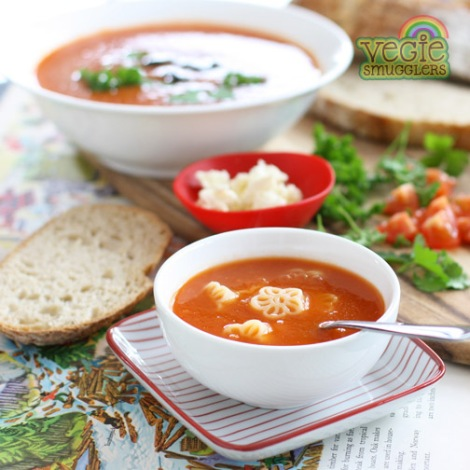 vegie smugglers slow cooker tomato and pasta soup